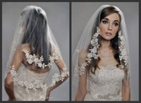 Wholesale Vintage White Ivory Short Tulle Wedding Bridal Veil Elbow Length Layer Beaded Lace Appliques Wedding Veil