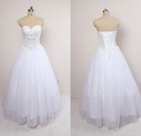 Wholesale New Design Sweetheart Ball Gown Floor Length White Wedding Dresses Gorgeous Beaded Pearls Bridal Wedding Gowns Real Sample