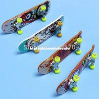 Wholesale 2pcs New Finger Skate Board Toys Maple Wooden Deck Finger Skate Child Knick Knack Fingerboard Skateboard