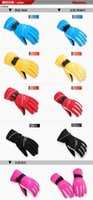 Wholesale Outdoor lovers mens Womens ski gloves waterproof snowboarding gloves cold proof thermal ride electric bicycle gloves snow gloves