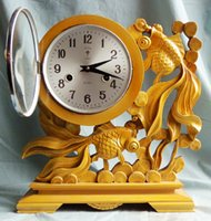 Wholesale Polaris brand wood carving goldfish workmanship days mechanical clock