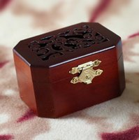 Wholesale The music box that restore ancient ways Pure wood makes Special gift Can choose a variety of songs Hand Cranked