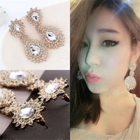 Wholesale Stunning Sparkling Luxury Great Rhinestone Earrings Bright Ear Stud Charming Hot Selling Royal Earring Fashion Accessories