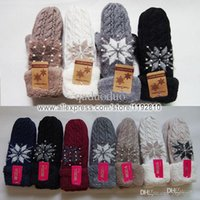 Wholesale 2015 New Wool Full Finger Women Knitted Gloves Pearl Super Soft Fleece Lady Mitten Golden Silvery Yarn Snowflake Girl Glove14138