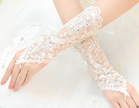 al por mayor fingerless wedding gloves white-En el envío libre del cordón blanco sin dedos Apliques debajo del codo Guantes de corta longitud guantes de novia de la boda