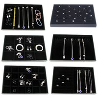 achat en gros de montrent perles-Beaucoup de variétés de haute qualité Bracelet en simili cuir noir Bracelet boucles d'oreille perles Echantillon compartiment Bijoux Show Display Tray Holder