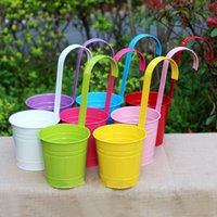 Wholesale Color Sturdy Iron Hanging Flower Pots Garden Plant Hanging Barrels Pastoral Balcony Holder Buckets