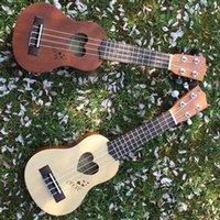 17? Mini Ukelele Ukelele 4 cuerdas del instrumento musical de Picea / Sapele Top palisandro con Estuche