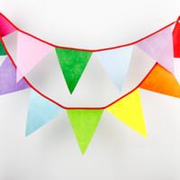 al por mayor bebé cumpleaños-12 Banderas - 3.2M Banderas de tela de fieltro Decoración de Bunting de boda de la personalidad Decoración de la fiesta de bienvenida al bebé del partido del rojo del caramelo