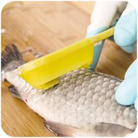 Wholesale Pieces Good Quality Plastic New Fish Skin Scraping Fish Scale Brush Graters Fast Remove Kitchen Gadgets Tools