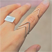 beauty match - Rings Women Beauty Knuckle Rings All match Geometric Alloy Finger Rings Fashion High Quality Gold Silver Plated quot V quot Style Band Rings SR389