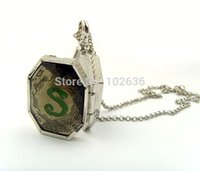 Wholesale Statement Necklace Harry Potter Horcrux Locket Necklace Hogwarts Gryffindor Slytherin Ravenclaw Hufflepuff Schools Necklace New Fashion