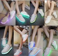 Wholesale 7 couleurs LED lumineux chaussures sneakers hommes femmes baskets recharge USB chaussures legeres brillants colores plat shoes
