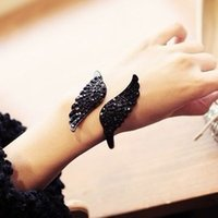 affordable fashion accessories - Fashion Affordable Bracelet Jewelry Vintage Accessories Black Crystal Wing Cuff Bangle S023
