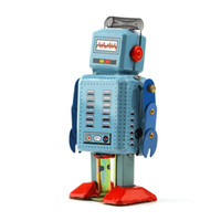 Wholesale Hot Selling Vintage Mechanical Clockwork Wind Up Metal Walking Robot Tin Toy Kids Gift Worldwide