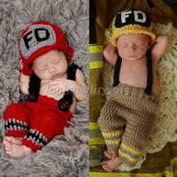 al por mayor recién nacido ropa de la fotografía-Crochet bombero foto del bebé Atrezzo infante Sombrero Set de ropa de punto recién nacido Sombrero Pantalones Set de Fotografía