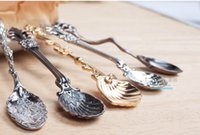 Wholesale Hot sell Vintage Alloy coffee spoon Shells seasoning Spoon Crown Palace Carved Tea Ice Cream Scoop Dessert Spoons Vintage and royal style