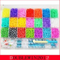 Cheap DIY Colorful family rainbow Loom Bands 6300pcs+1big hook+ 10pcs Silica gel hook+2 PCS small crocheted+20 PCS Alec beads+ 144 S button
