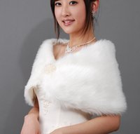 Wholesale Stock Bridal Pearl Long Faux Fur Wedding Wrap Cape Shawl Jackets Coat Wrap Tippet High Quality