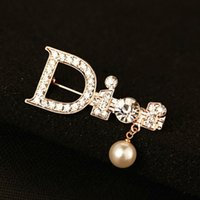 trading company - Piece c c logo Lady Fashion Trading Company Pearl c Jewelry Gold Letter Brooch Female