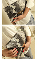 Wholesale 2014 New Fashion Women s Synthetic Leather Snake Skin Envelope Bag Day Clutches Purse Evening Bag B21