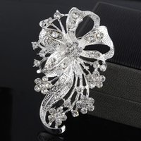Wholesale fashion style alloy diamond brooch flower brooch small mixed batch