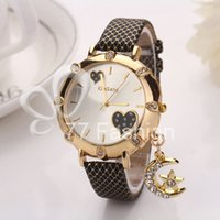 Wholesale Fashion Luxury Moon Pendant Wristwatches Lady Dress Watches Women Quartz Relogio Clock Leather Rhinestone Wrap Heart XR678