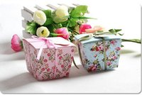 Wholesale Wedding Candy Boxes Floral Flower Romantic lovely Suger boxes with Trapezoid Shape Gift boxes with Ribbons
