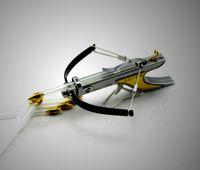 al por mayor slingshots-Mini arco ballesta de la caza de la caza Tenga tiro de la diversión el tiro al arco de tirón potente inoxidable del modelo del juguete de la tracción del envío libre