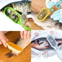 Wholesale Color send randomly pc New Fish Skin Scraping Fish Scale Brush Graters Fast Remove Kitchen Gadgets