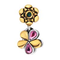 achat en gros de rose d'or charme-L'arrivée de nouveaux or pétales forme avec un cristal rouge Beads Charms ajustement Pandora Bracelets Pendentifs charme Bijoux Livraison gratuite