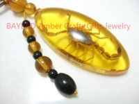 amber ornament - Real Golden Scorpion in Amber Resin Keychain mm key ring promotion gift Auto Ornament Real Insect souvenir novelties