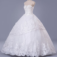 Wholesale Ivory New Fahsion Wedding Dresses Strapless Ball Gown Crystal Beads Applique Lace Cinderella Wedding Gowns CPS138