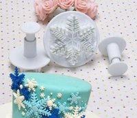 Wholesale Fashion Hot Set Snowflake Fondant Cake Decorating Plunger Sugar craft Cutter Mold Tools Bakeware Tools