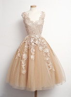 Cheap 2015 Vintage Lace Champagne Short Prom Dresses V Neck Sleeveless Tulle Sweet 16 Short Dresses Party Teen Custom Made Cheap Homecoming Dress