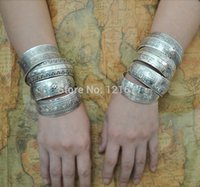 Wholesale Gypsy Bohemian Factory Tibetan Jewelry Vintage Silver Bangles Antique Ethnic Statement Cuff Bracelets B0108
