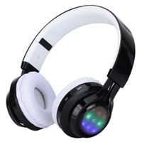 Precio de La iluminación universal,-2016 auriculares del deporte Auriculares estéreo del bluetooth que usan el tipo auricular sin hilos del teléfono FM de Bluetooth CARTAS LED el ritmo de la luz