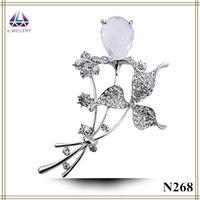 american girl invitations - Wedding Invitation Flower Shape Zircon Brooch With Teardrop Shape Crystal Hot For Nice Girls