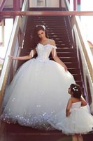 Wholesale Hot Tulle Mother and Daughter Wedding Dresses Off the Shoulder Corset Ball Gowns Sweep Train Sleeveless Garden Bridal Gown
