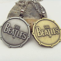beatles movie - 2 Colors Man s Fashion necklace Movie Jewelry New Statement Necklace Rock Band The Beatles Pendant Necklace