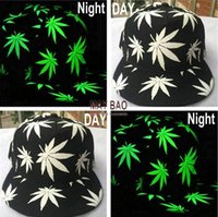 Wholesale Hot Sell Luminous Night Glow Baseball Hat Hip hop Weed Leaf Pot Fashion Flat Bill Snapback Baseball Cap Five Pieces One Set MYF219