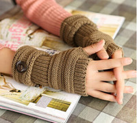 Wholesale 9 Color Hot Sale Winter Multi Color Buttons Knitting Gloves Fashion Woman Mittens New Fingerless Gloves