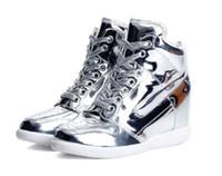¡GRAN VENTA! Las zapatillas de deporte superiores femeninas del cordón del cordón de las mujeres de los altos talones femeninos de la cuña forman los zapatos de los deportes el color del oro del elevador de los 6cm y la plata c