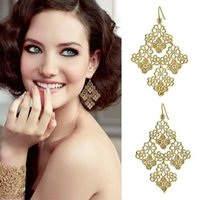 Wholesale European Big Brand Fashion Vintage The Palace Hollow Out Lace Drop Earrings Large Flower Rhombic Dangle Earrings Wholesales