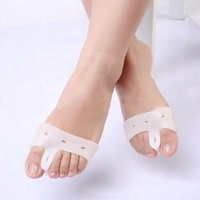 Wholesale 1 pair Silicone Gel foot fingers Toe Separator thumb valgus protector Bunion adjuster Hallux Valgus Guard feet care Brand New