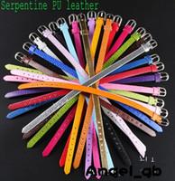 achat en gros de bracelet en cuir de charme de la main-Mode Paillette multicolore Snakeskin PU Bracelet en cuir Wristband Convient à bricolage Capital Lettres 8mm Slide Charme Bracelet Ceinture à main