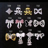 Wholesale Fashion New Nail Art Metal Rhinestone Skulls Nail Tips Dangle Jewelry Alloy Nail Art Decoration d Nail Bows