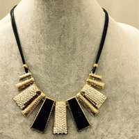 Wholesale Exquisite Statement Necklaces Vintage Style Luxury Girls Chunky Necklaces for Formal Occasion Fashion Jewelry