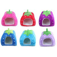 Wholesale 4 Colors Soft Sponge Strawberry Pet House For Dog Cat Lovely Warm Pet Cage Supplies With Medium Size