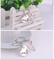 Wholesale Pair Key to My Heart Keychain Wedding Favors And Gifts Wedding Souvenirs Wedding Supplies TT85